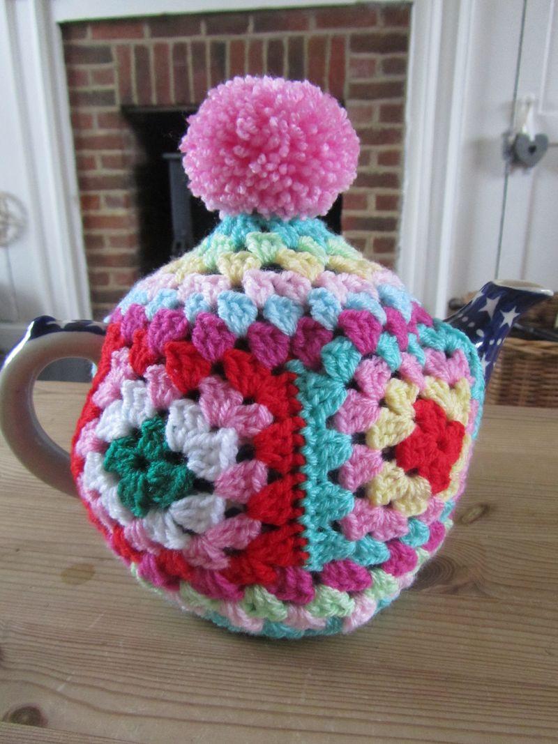 Granny Chic Tea Cosy 014